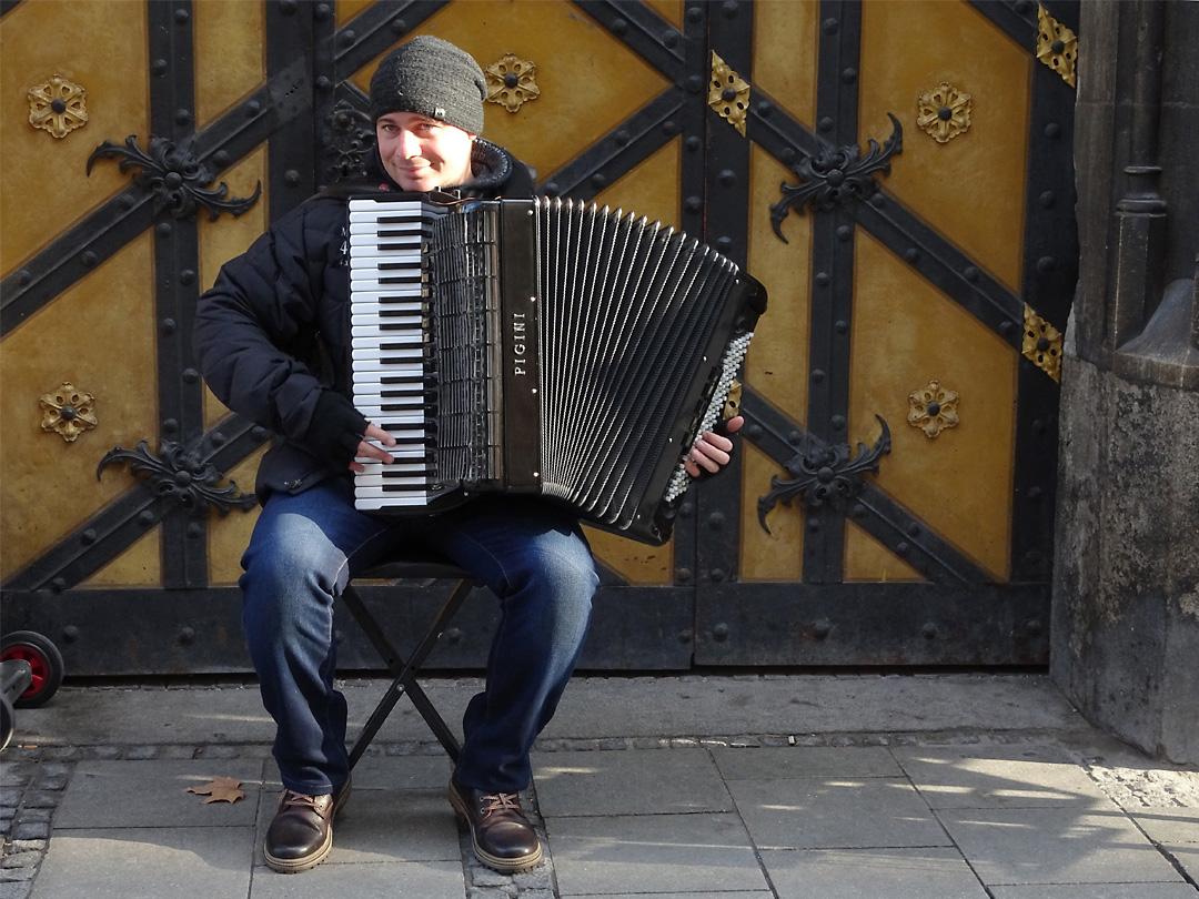 Street musician, Munich